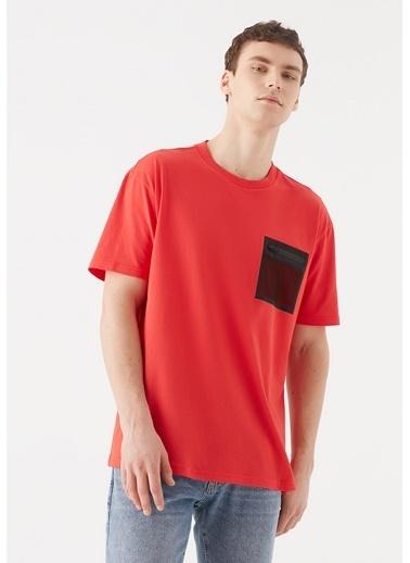 Mavi File Cep Detaylı Tişört Kırmızı